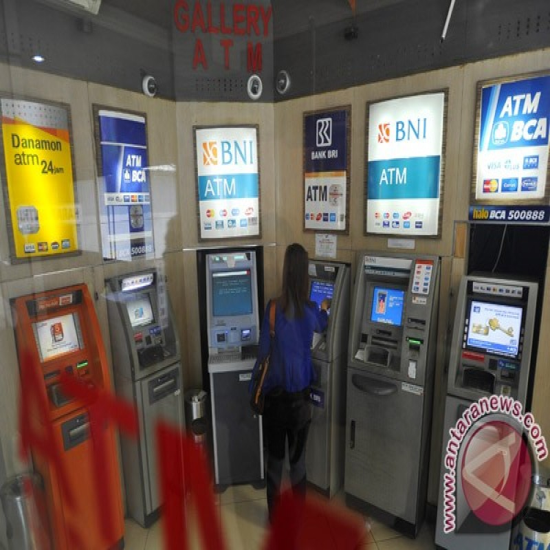 BCA says 5,700 ATMs affected by satellite shutdown