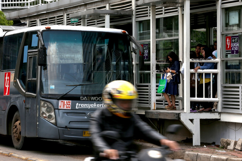 Racial attack occurs at Transjakarta bus stop