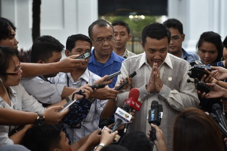 Jokowi wants quick, strategic development in national soccer