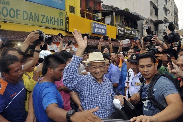 Mahathir quits Umno over his opposition to PM Najib