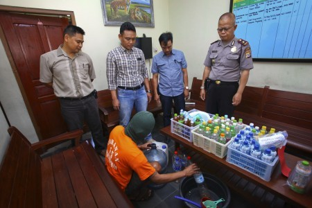 Eight people die from bootleg liquor in Papua