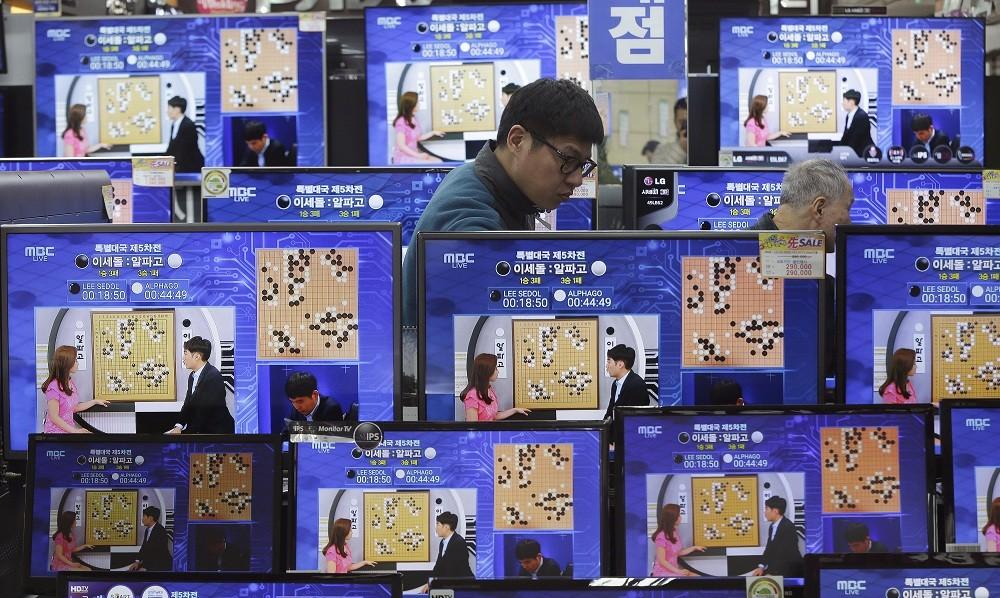 AlphaGo now world's No. 1 Go player