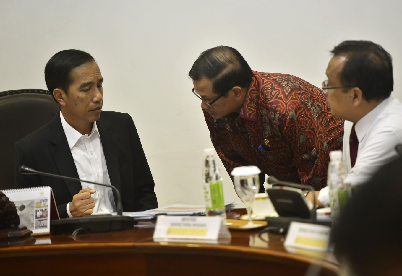 Jokowi prohibits ministers from leaving Jakarta