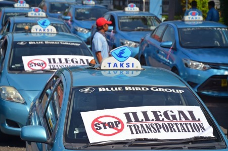 App-based taxi services are illegal, Transportation Ministry insists