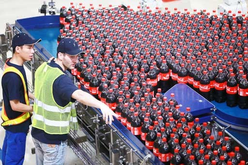 Coca Cola considers building Indonesian recycling plant, slashing 25,000 tons of plastic
