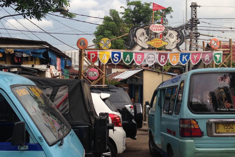 Jokowi highlights market revitalization during NTB visit