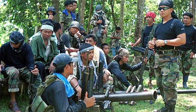 Pressure to rescue Abu Sayyaf hostages demands discretion