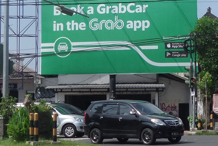 Bali warns Uber, Grab drivers in traffic operation
