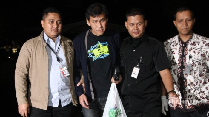 Ahok's aide banned from traveling abroad
