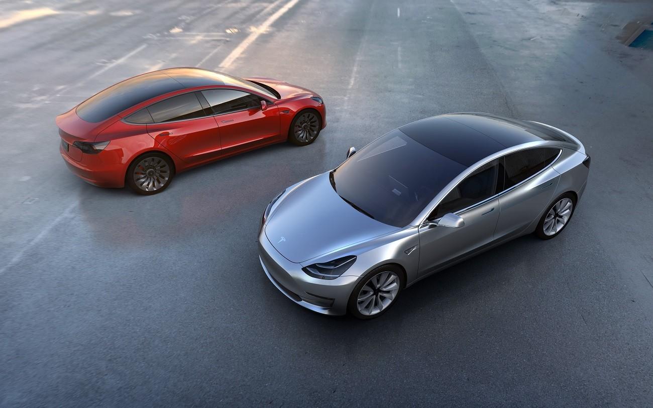 Tesla working on Autopilot radar changes after crash