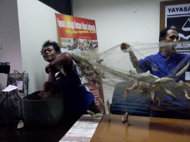 Ahok declines to meet with protesting fishermen