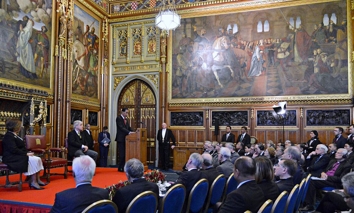 Jokowi discusses Islam and democracy at UK parliament