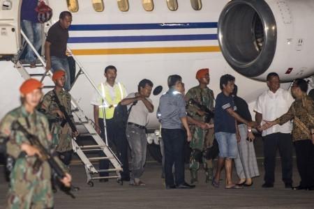 Abu Sayyaf captives back on Indonesian soil