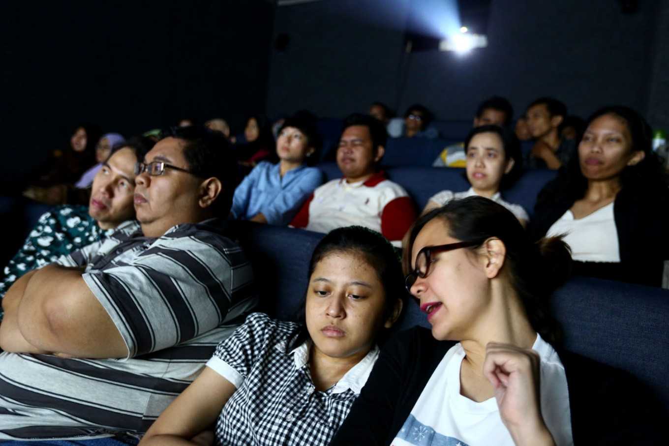 Blind watchers: A cinema for the visually impaired