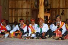 The customary head of Bangka Tuke village in Manggarai, East Nusa Tenggara, carries out the ritual of calling ancestors to attend the Congko Lokap ritual on April 4. The Jakarta Post/Markus Makur