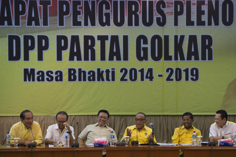 Golkar leadership race heats up
