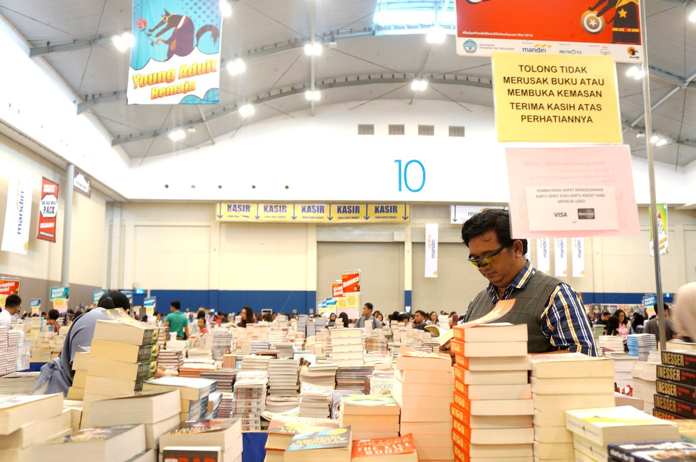 5.5 million books on sale at Big Bad Wolf event