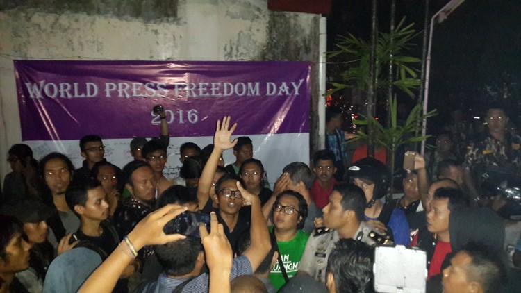 Police disperse World Press Day event in Yogyakarta