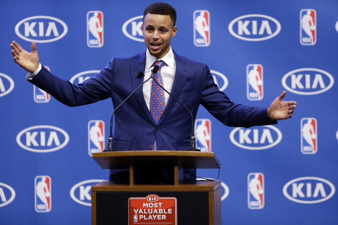 Stephen Curry Is First Unanimous NBA MVP Takes Honor Again