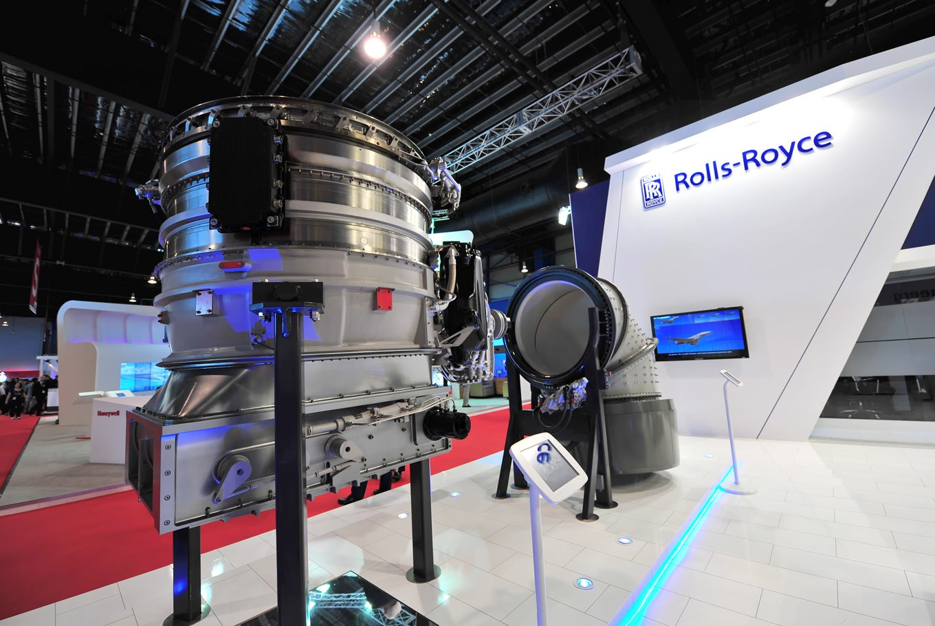 British Engine Maker Rolls-Royce Cutting 4,600 Jobs