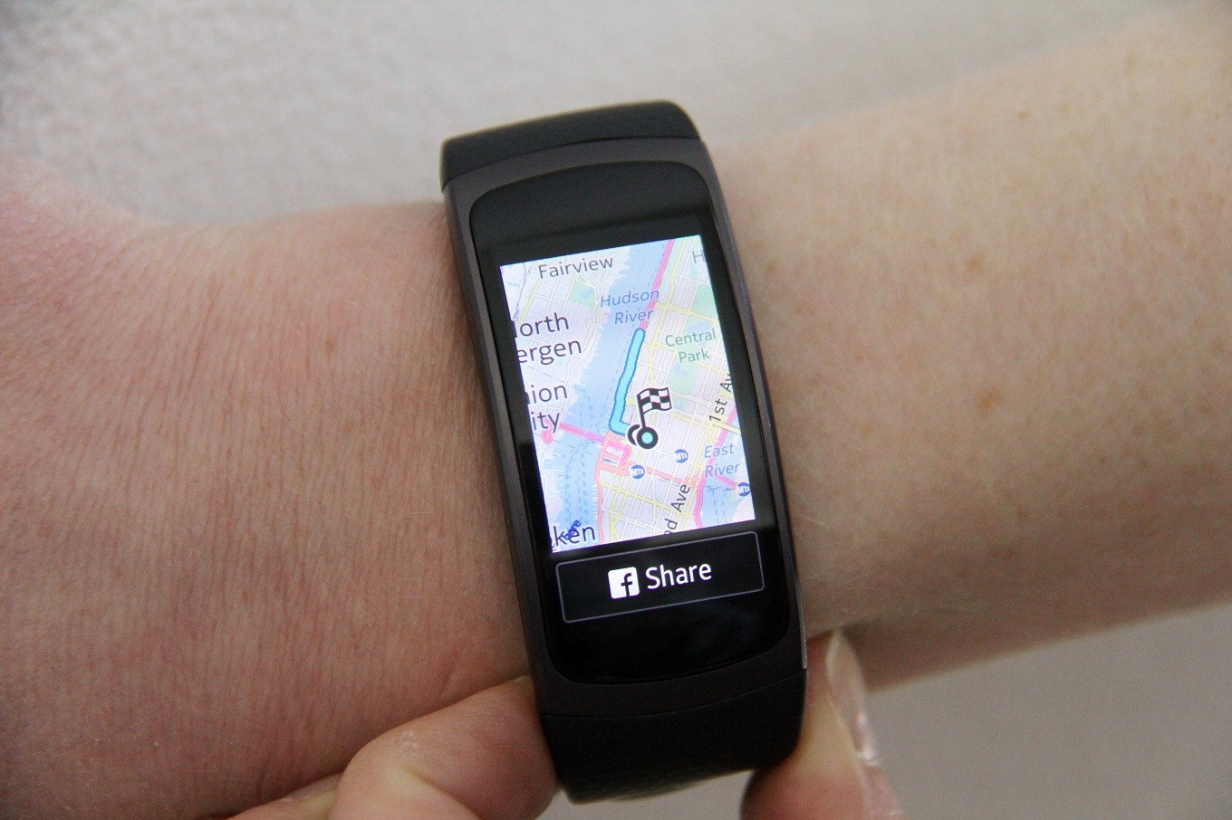Samsung Challenges Fitbit With 180 Fitness Tracker With