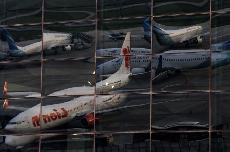 Indonesian airlines carry out layoffs to cope with COVID-19 pressures