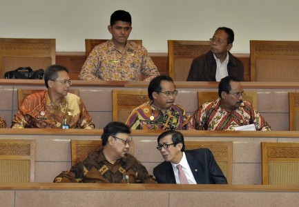 Lawmaker urges Jokowi to sign new elections bill into law