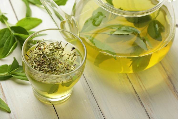 Could drinking green tea help you live longer?