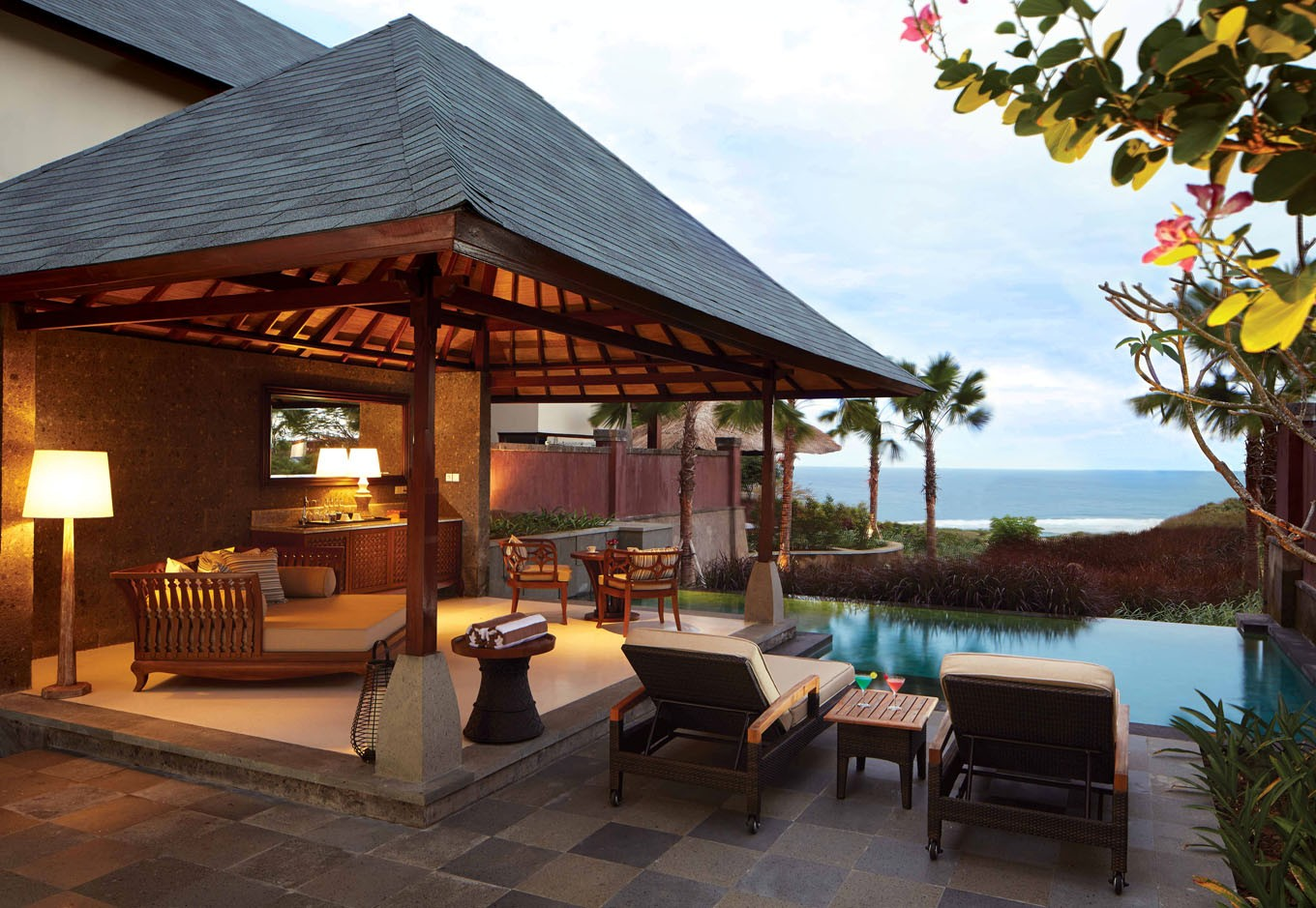 Good reasons for families to stay at grand nikko bali for Best hotel in bali 2016