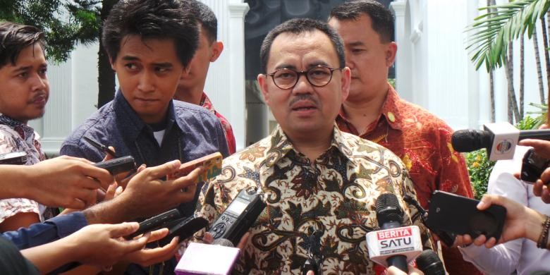 'Stop being a disobedient child', minister tells PLN