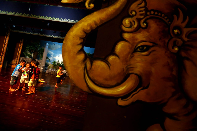 'Wayang Orang Bharata' strives to preserve traditional culture