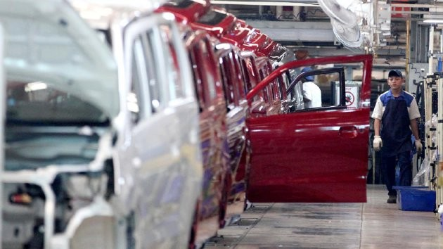 Manufacturing sector moves slower in November