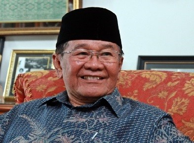 Former W.Sumatra gov, agrarian minister Hasan Basri Durin passes away