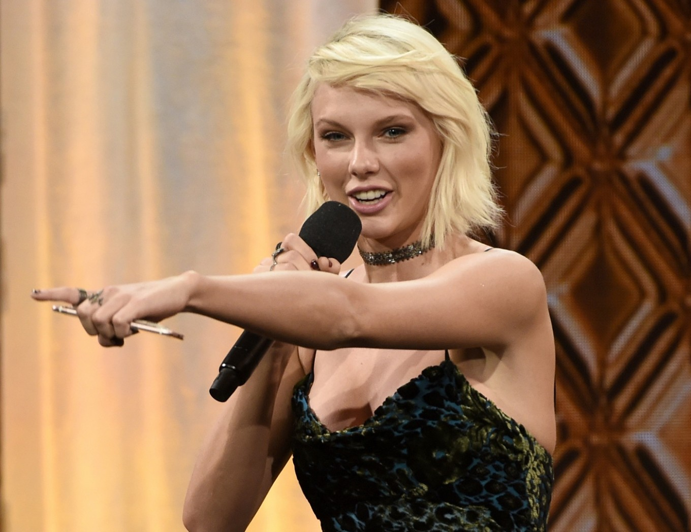 Taylor Swift tops Forbes' list of highest-paid celebs