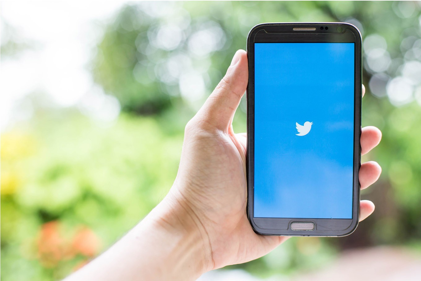 Twitter unveils more user-friendly design