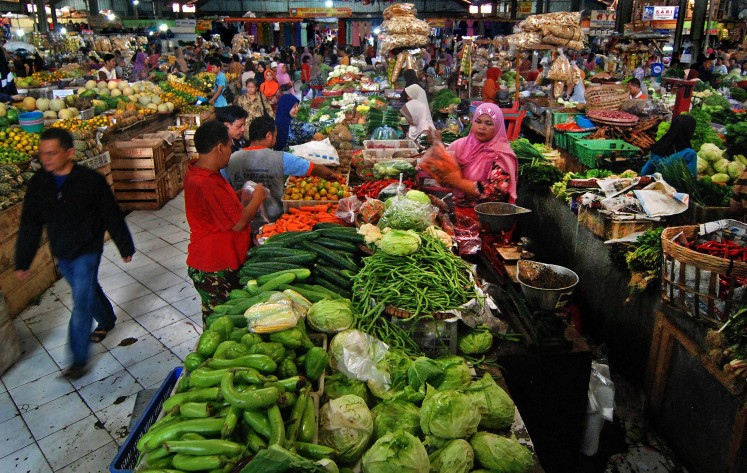 Stable food prices keep October inflation in check