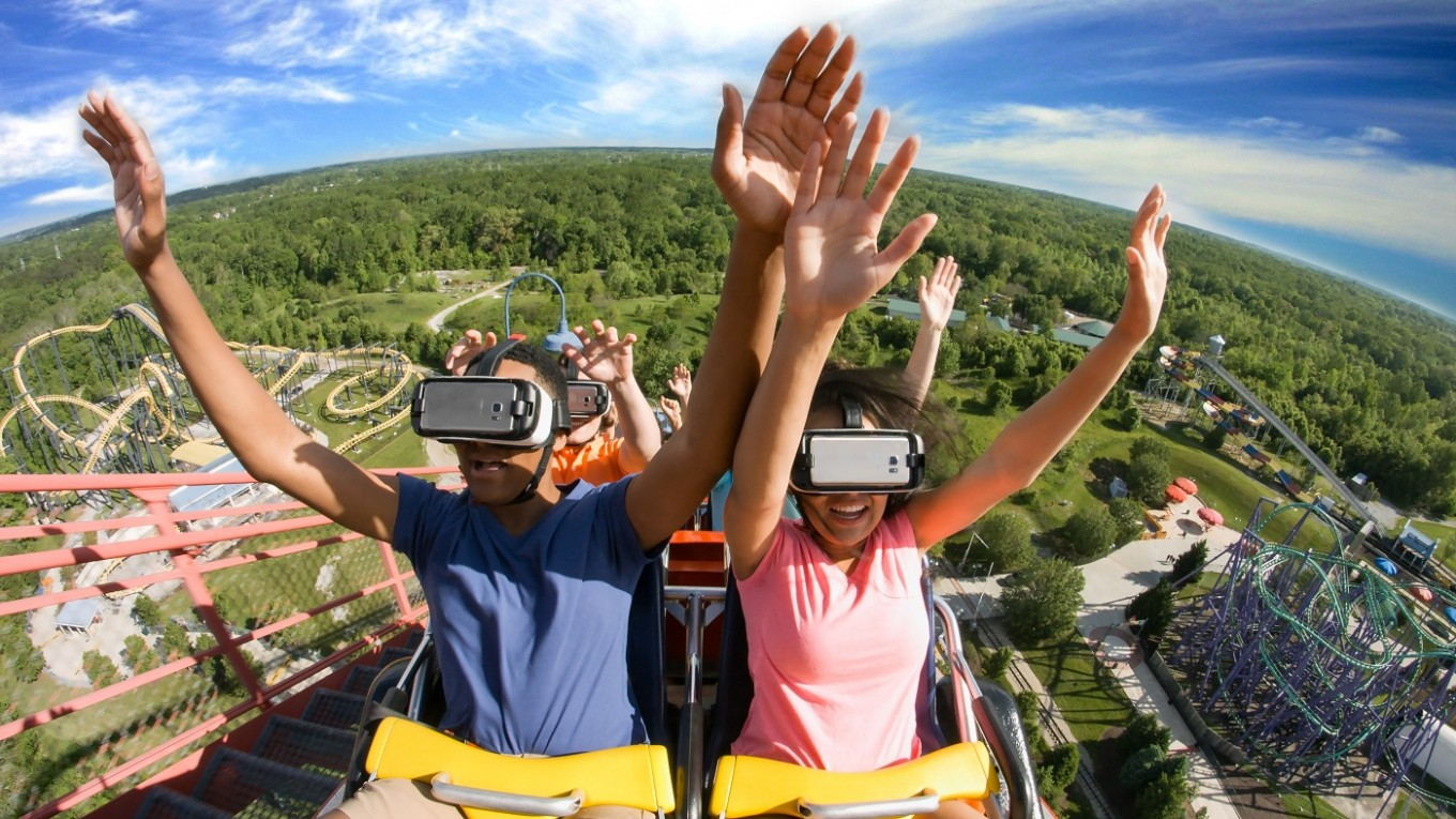 Six Flags to open a theme park in Chongqing
