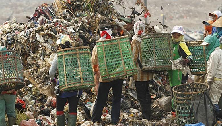 Residents threaten to close down landfill in Bekasi