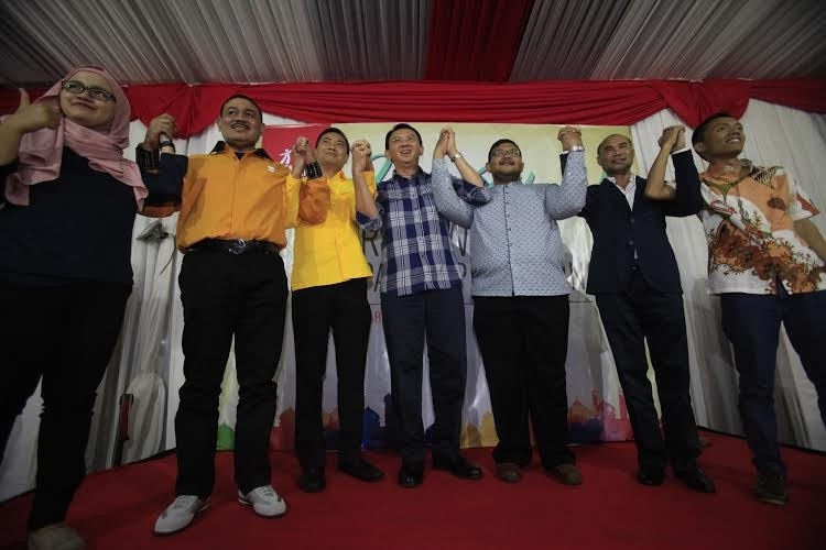 Ahok gets 50.2 % in latest survey
