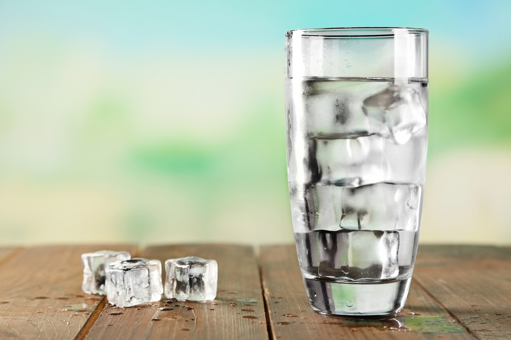 is it better to drink cold or room temperature water