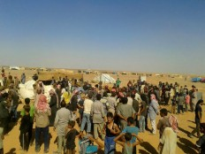 Aid dropped by crane reaches 75,000 Syrians on Jordan border