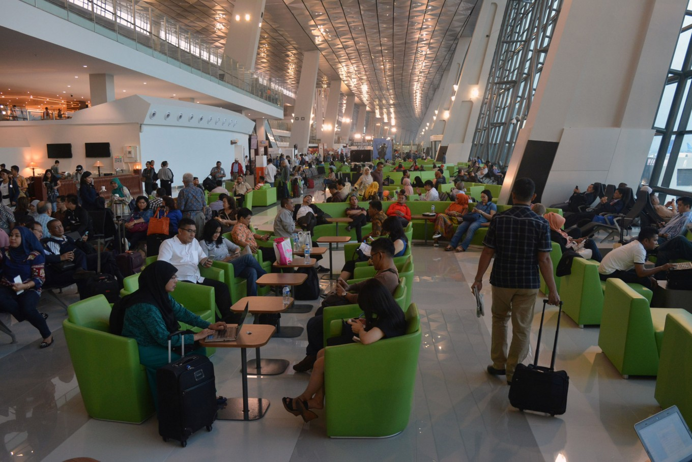 Check-in system at Soekarno-Hatta's Terminal 3 returns to normal after system goes down