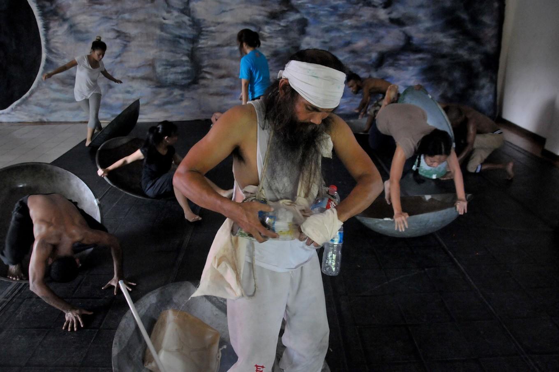 Sardono W. Kusumo to perform 'Black Sun' at Singapore International Festival of Arts