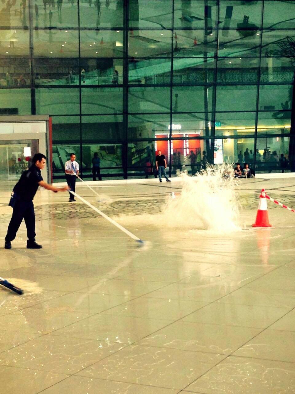 New Soekarno-Hatta Terminal 3 inundated amid heavy rains