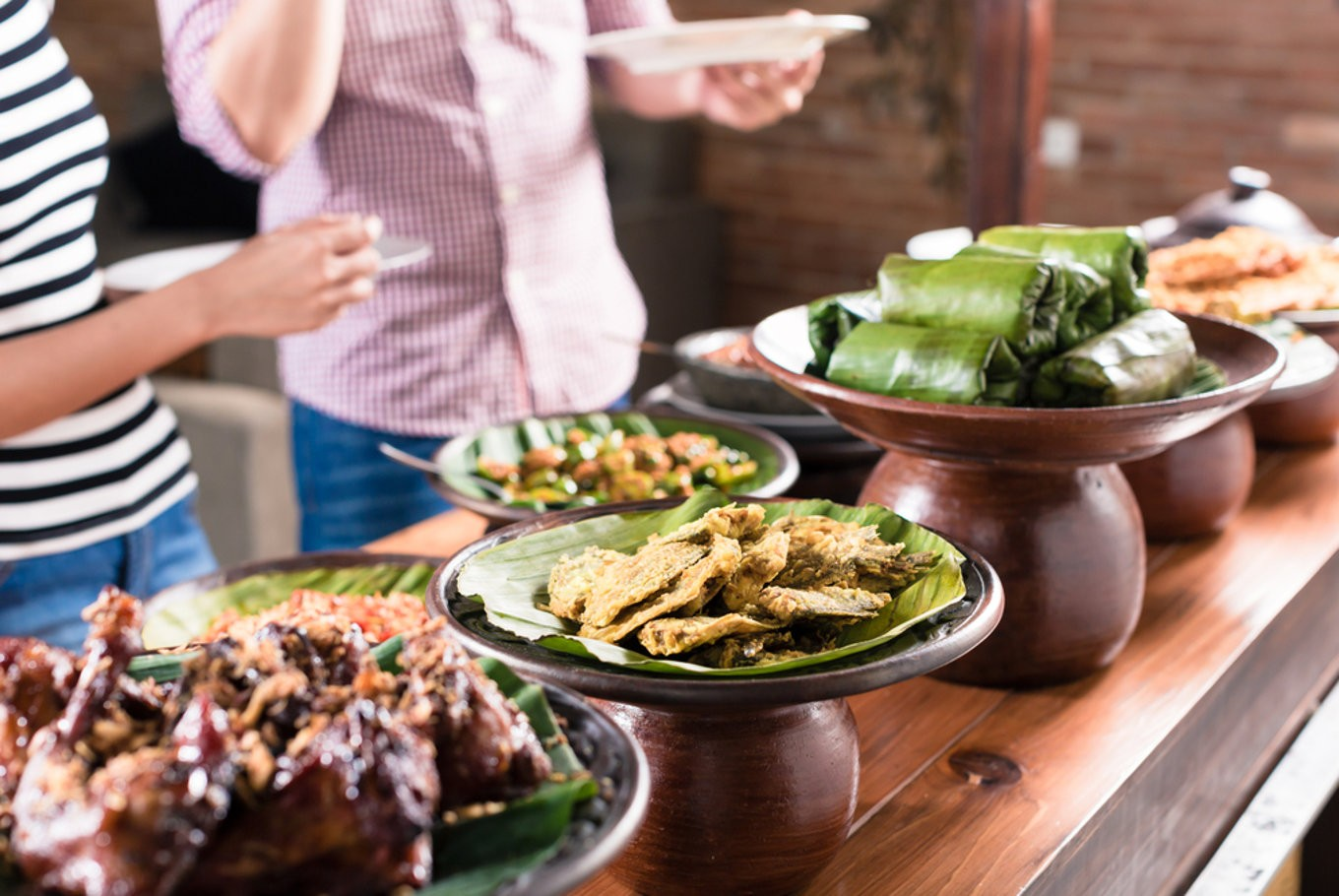 Savoring history culture through culinary tours food for Cuisine history