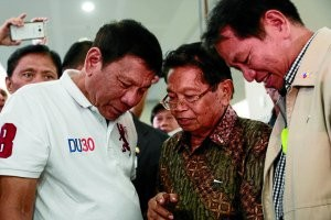 Muslims gather to boost stalled Philippine peace talks