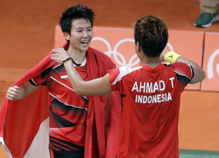 Indonesian team wins badminton mixed doubles