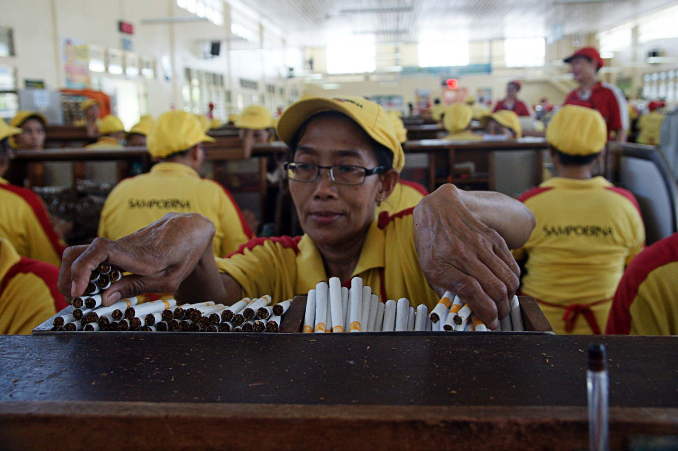 Indonesia at war against illegal cigarette trade
