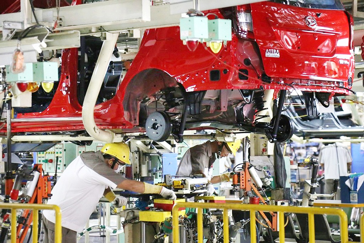 Japanese companies hold firm on investment plans in Indonesia despite drop in sales, production