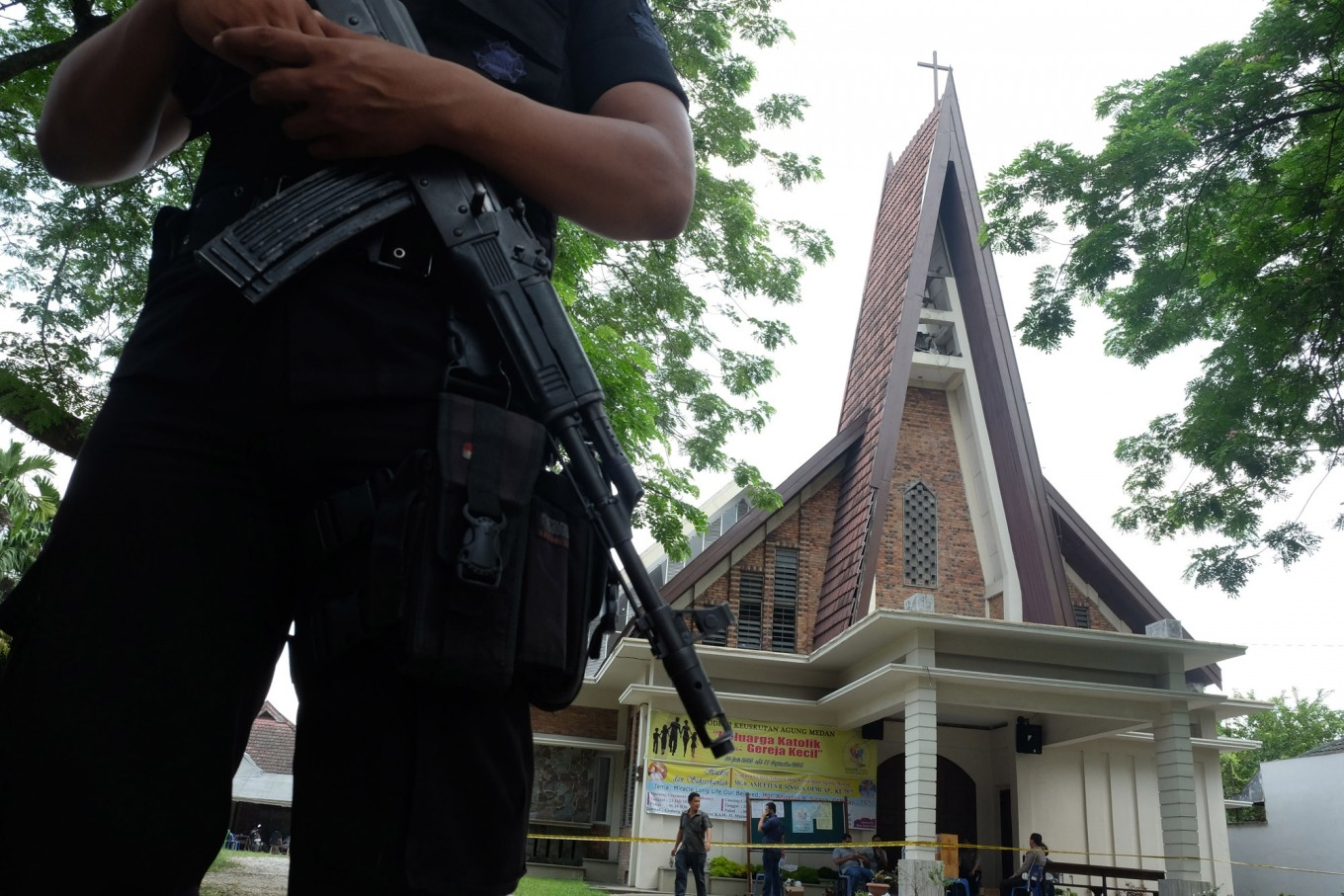 Medan church attacker not part of int'l terrorist network: Minister